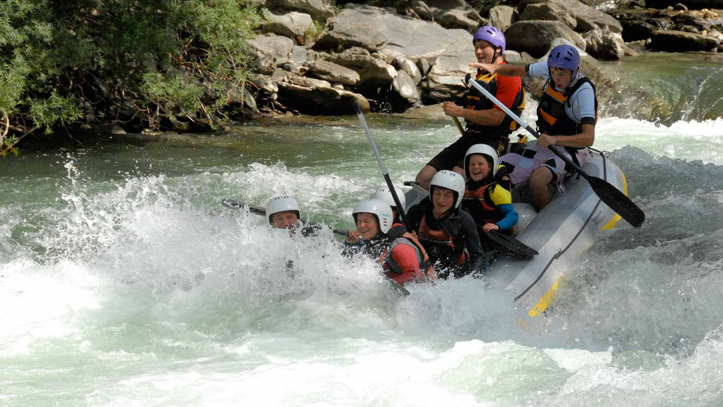 Rafting whitewater